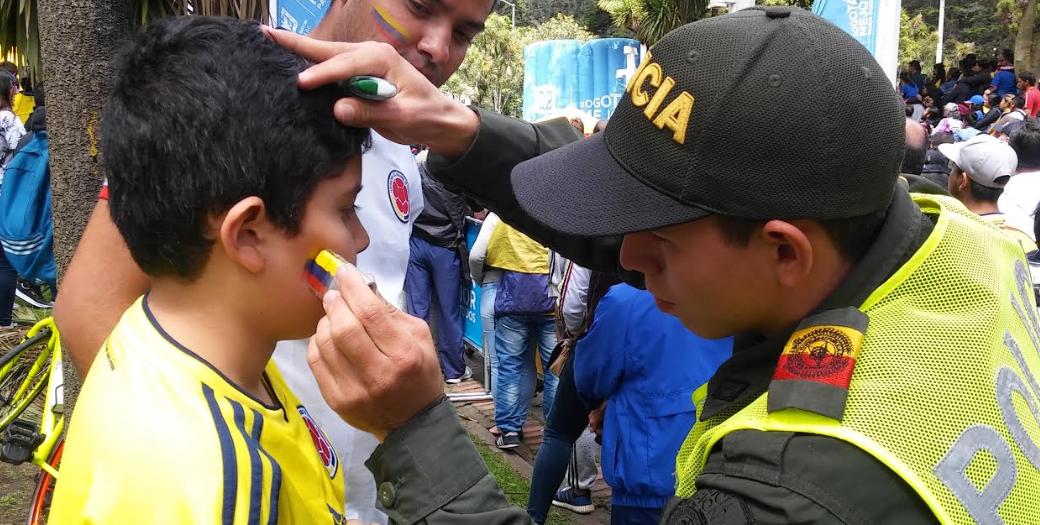 Hinchas celebraron goles de Colombia