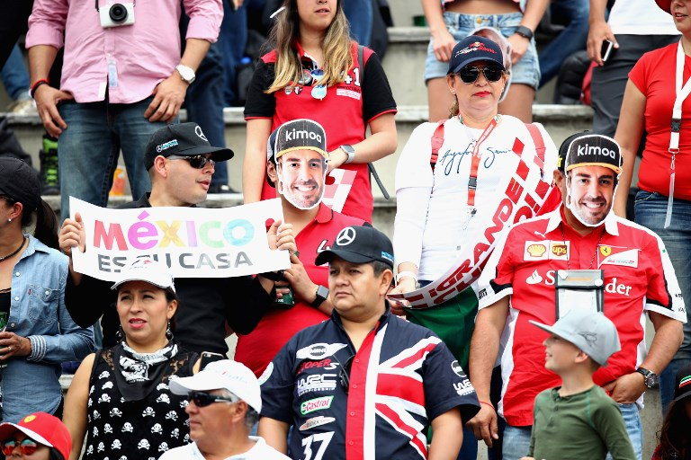 Aficionados en México hace un homenaje a Fernando Alonso