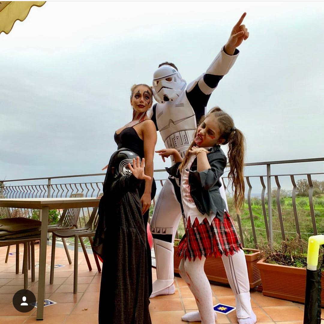 Familia de David Ospina en Halloween