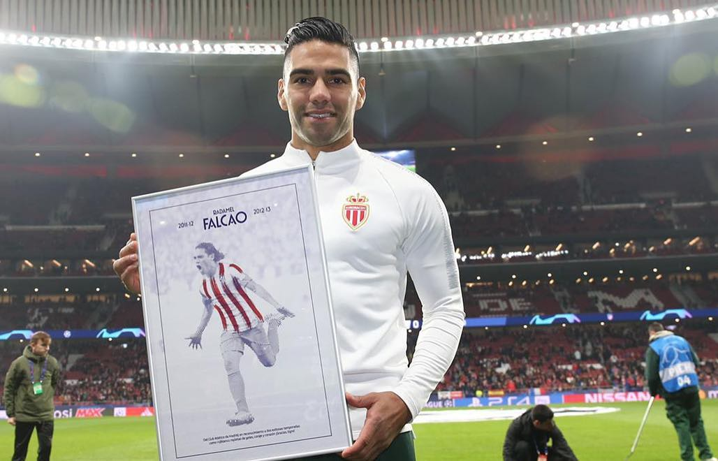 Homenaje a Falcao en el Wanda Metropolitano