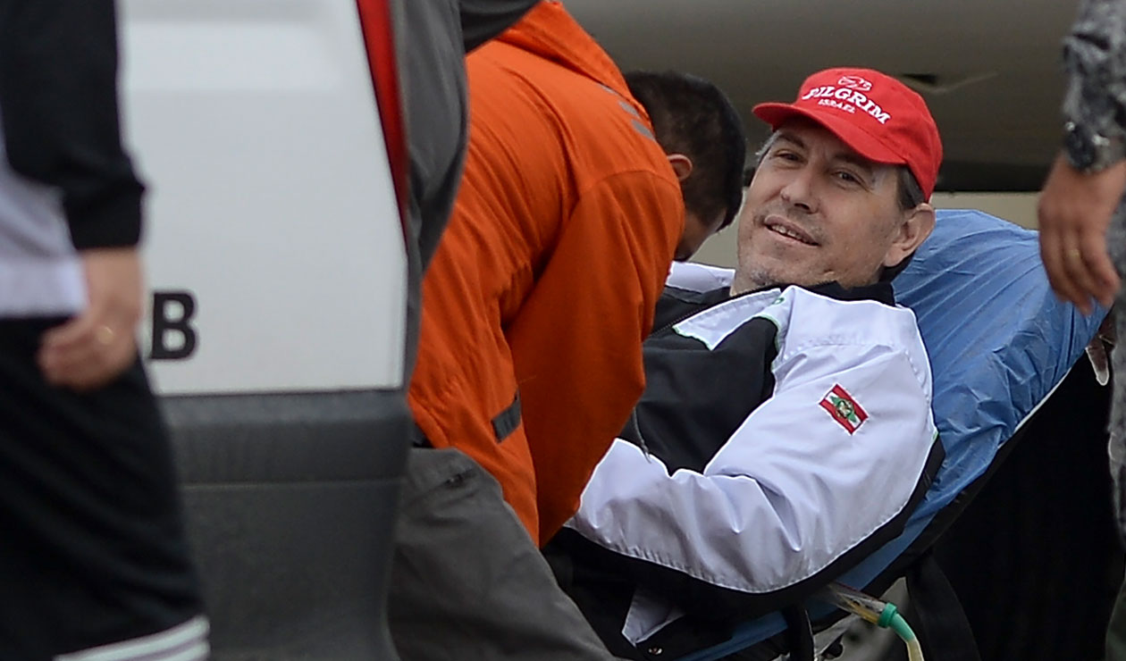 Rafael Henzel volviendo a Brasil, luego del accidente del Chapecoense que dejó un saldo de 71 muertos