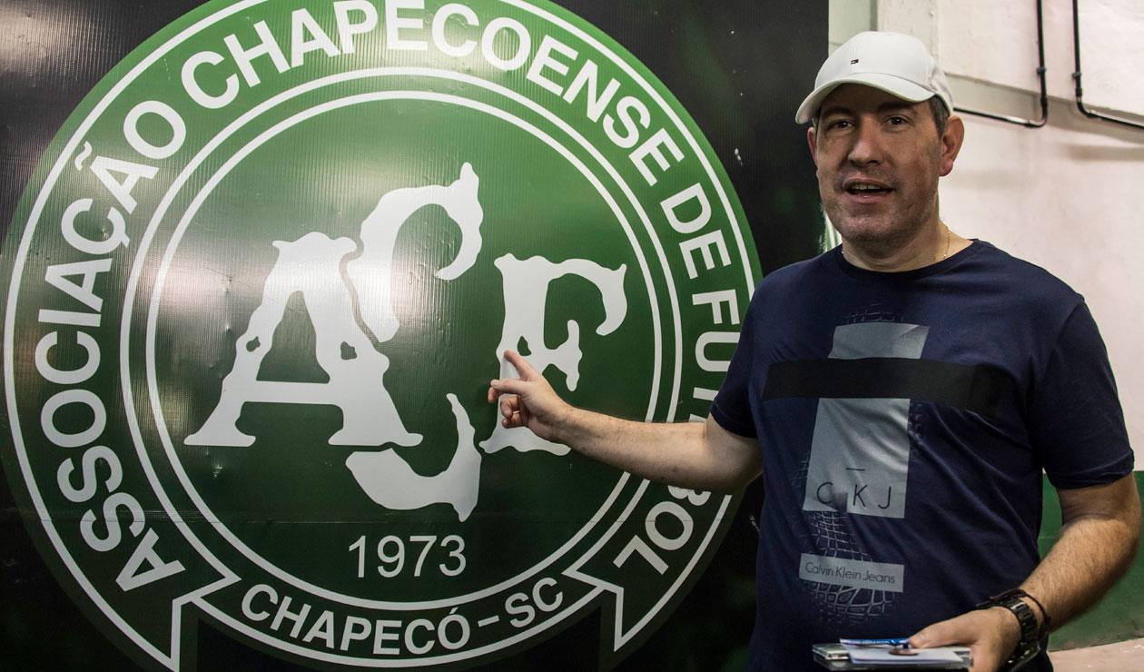 El periodista Rafael Henzel dice que sigue comentando los partidos del Chapecoense
