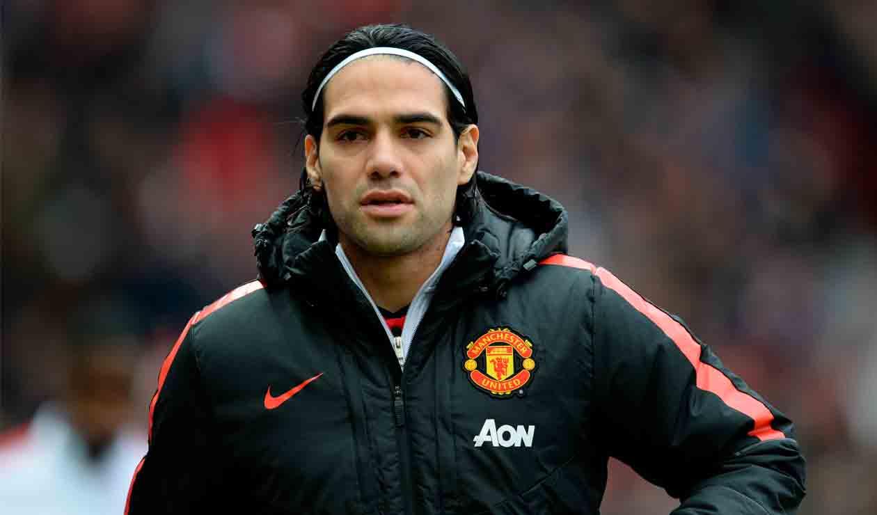 Falcao en un partido del Manchester United donde fue suplente.