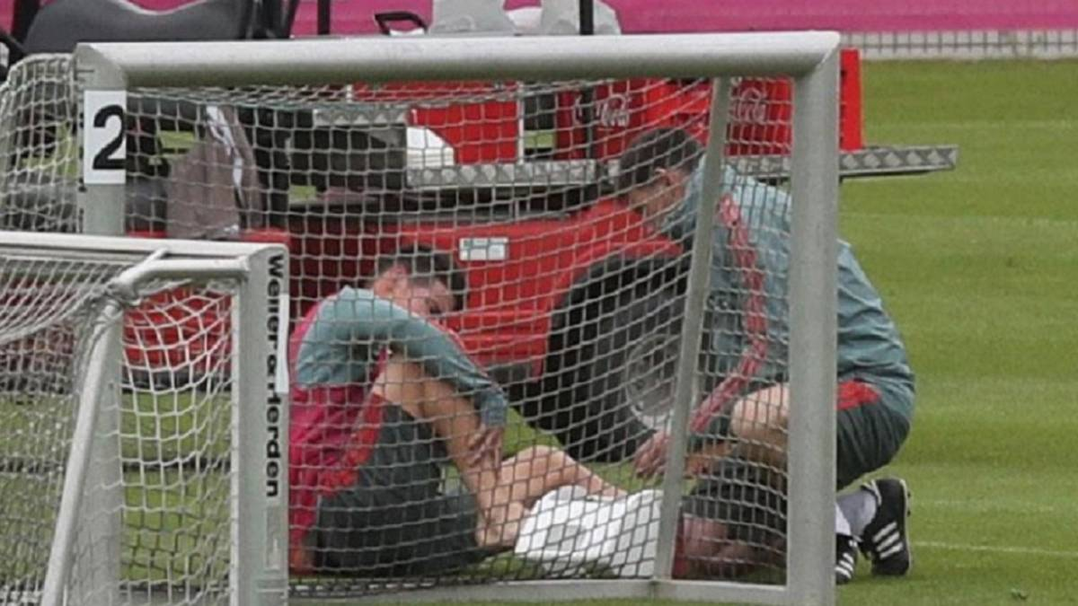 James Rodríguez salió lesionado de la práctica del Bayern