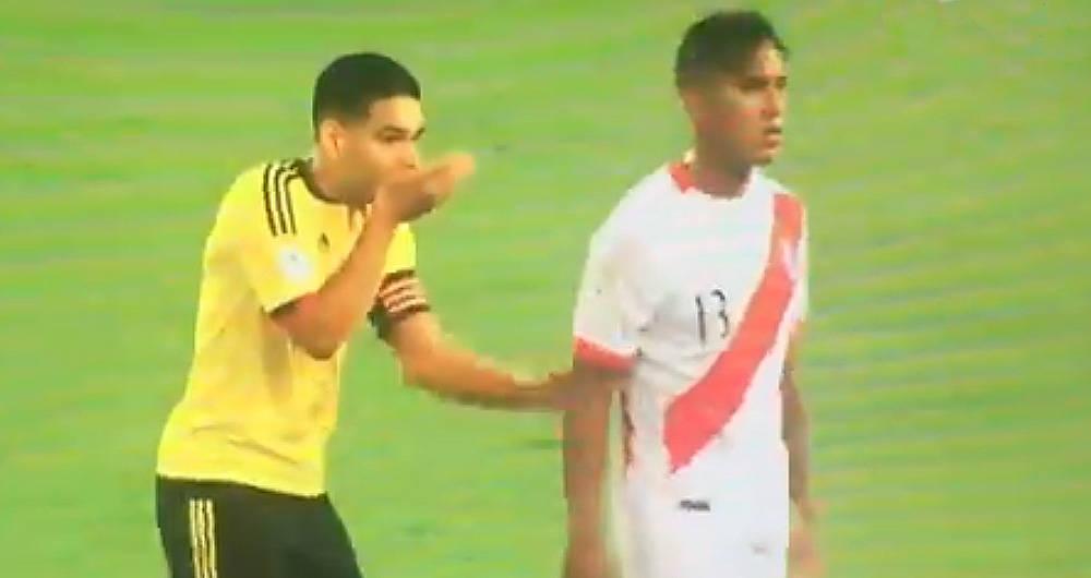 Falcao García hablando con Renato Tapia