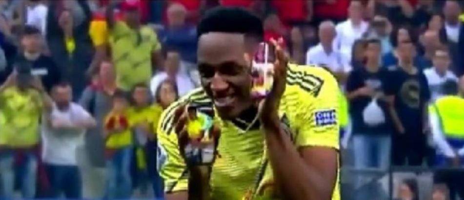 Así celebró Yerry Mina su tiro penal