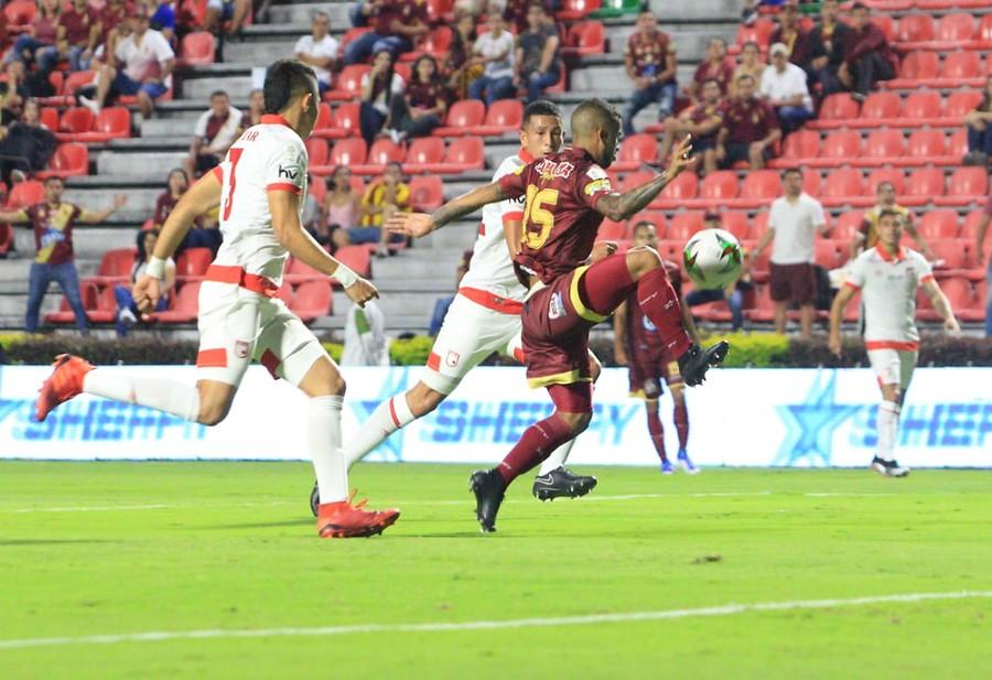 Confirmado: Deportes Tolima buscará la compra de dos jugadores de Santa Fe - Antena 2