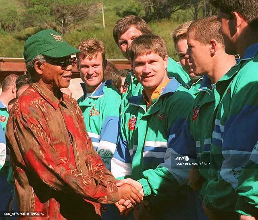 Nelson Mandela conociendo a los Springboks