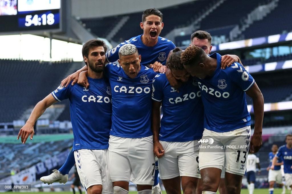 James y Yerry Mina no jugaron con Everton contra Salford; Copa de Liga | Antena 2