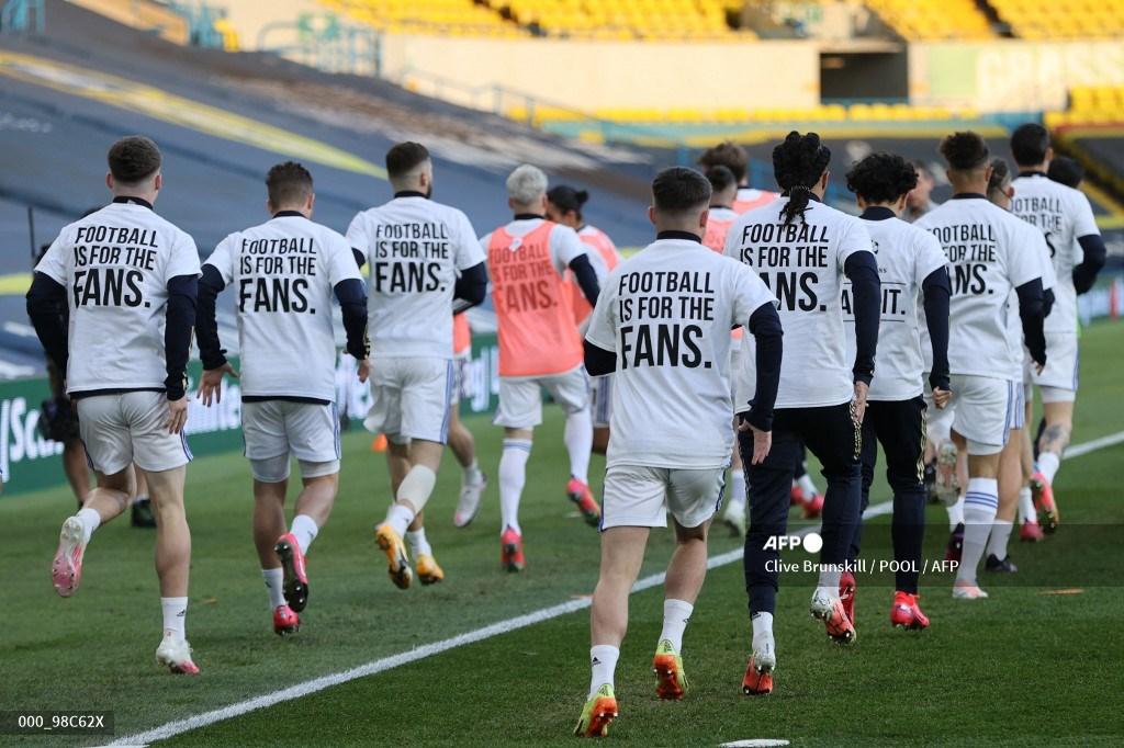 Leeds mostró pancartas contra Liverpool y la Superliga Europea   Antena 2