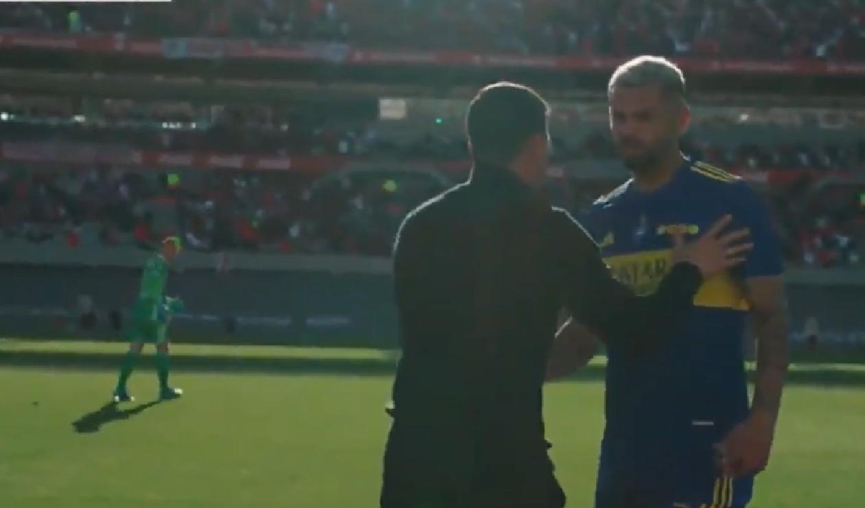 [VIDEO] Se dijeron de todo: la discusión entre Cardona y Armani en pleno 'Superclásico'