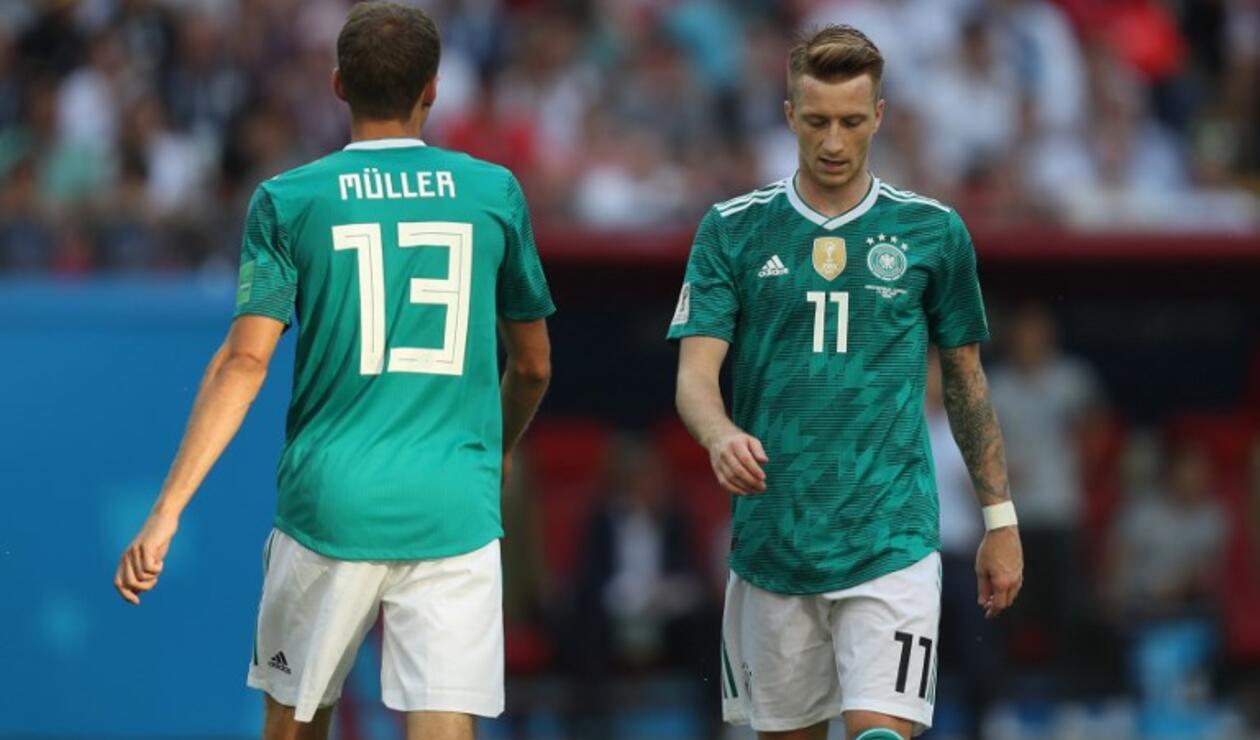 Los jugadores Muller y Reus en la derrota de Alemania ante Corea