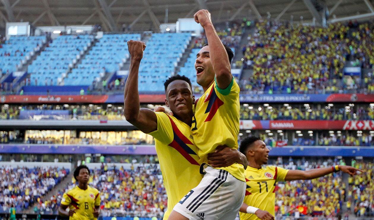 Falcao celebra con Yerry Mina el gol de Colombia ante Senegal