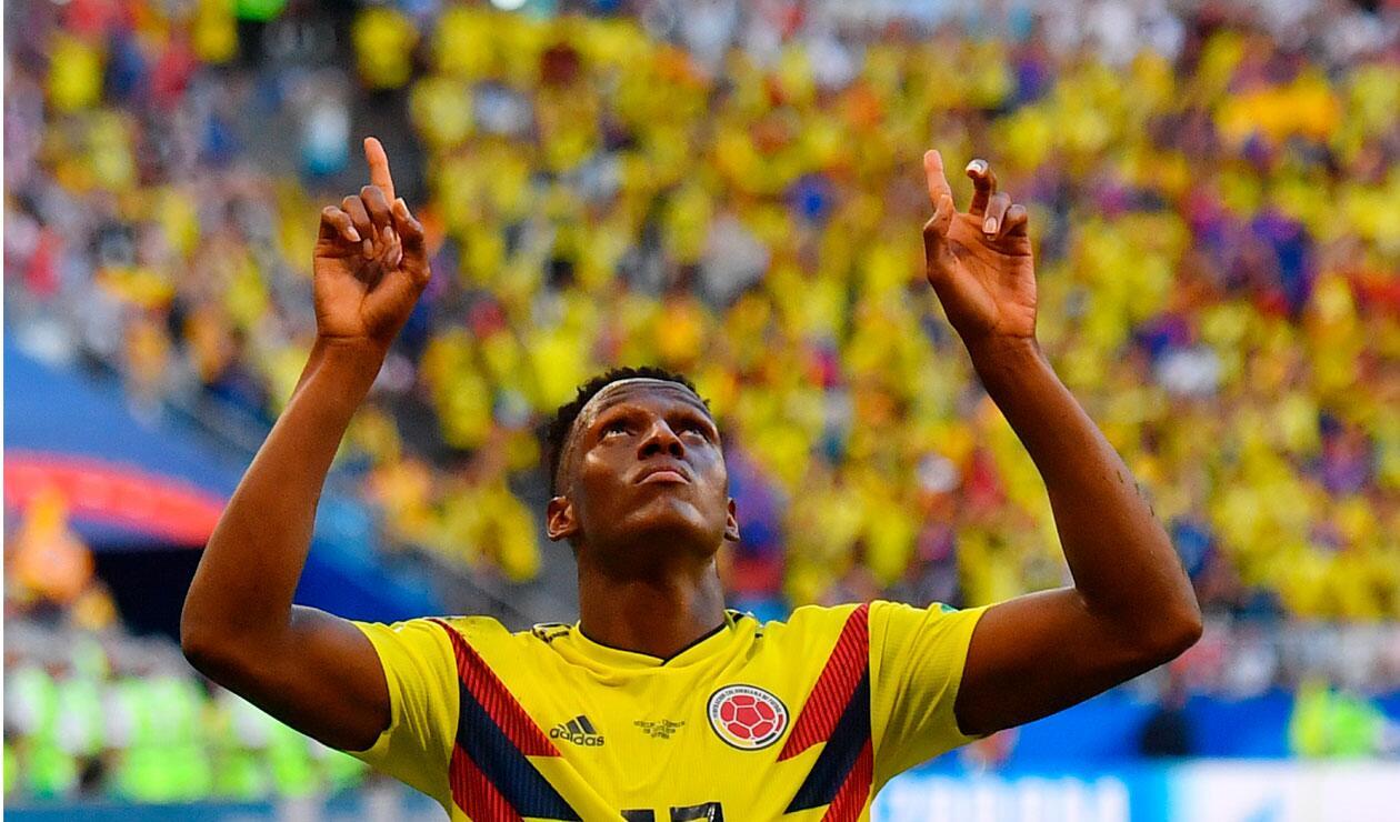 Yerry Mina celebra el gol que marcó con Colombia ante Senegal