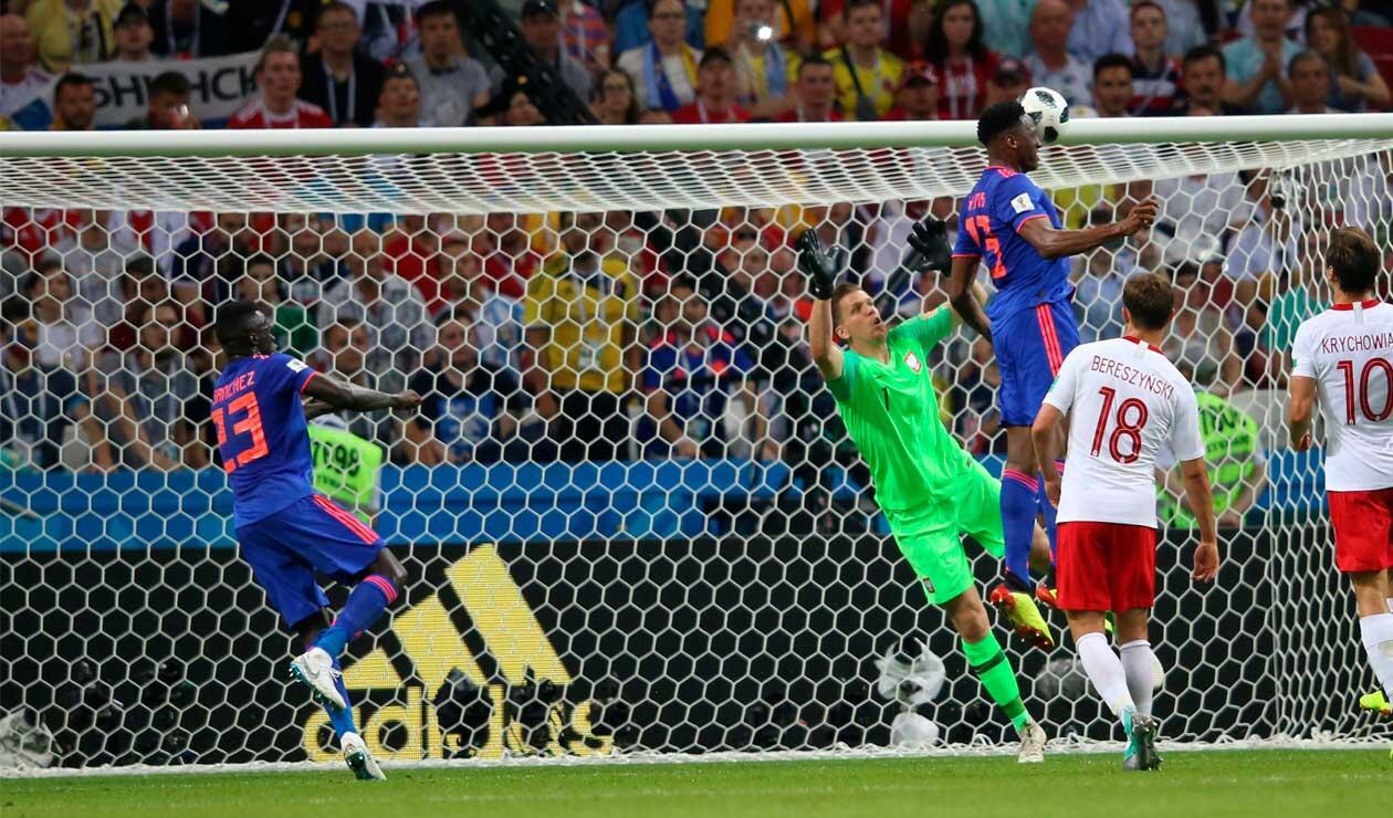 Yerry Mina anotando el gol de Colombia ante Polonia en el Mundial