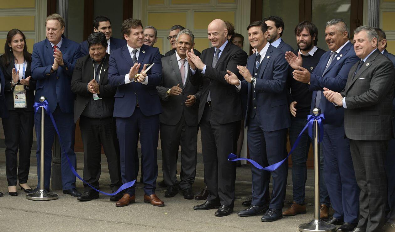 Inauguración de la Casa del Fútbol de la Conmebol en Moscú