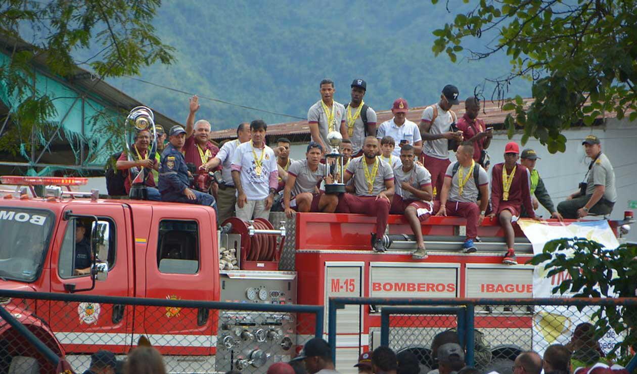Jugadores del Deportes Tolima arribando a Ibagué