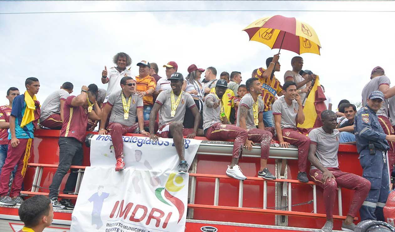 Deportes Tolima a su arribo a Ibagué para celebrar su segunda estrella