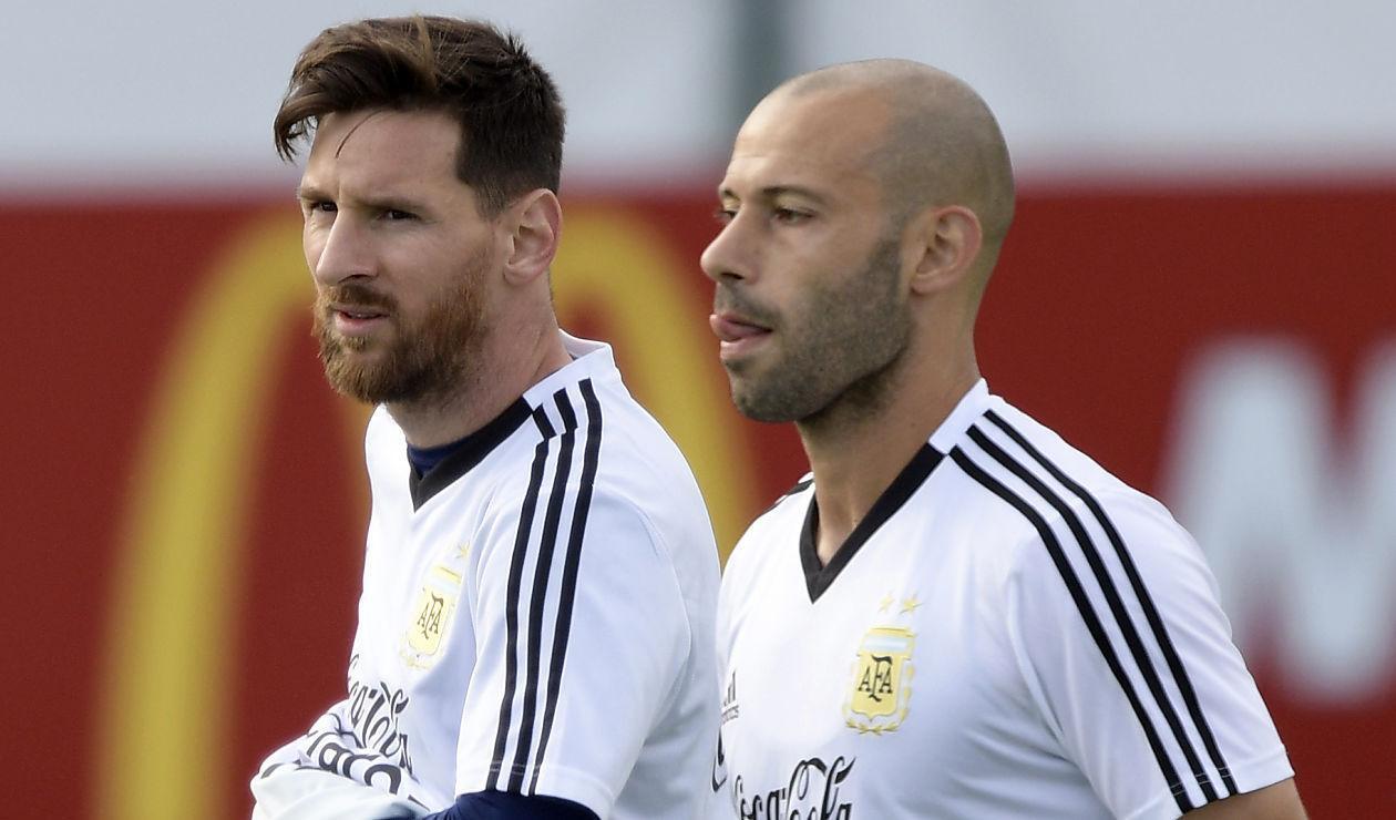 Lionel Messi y Javier Maschenano en concentración con la Selección Argentina