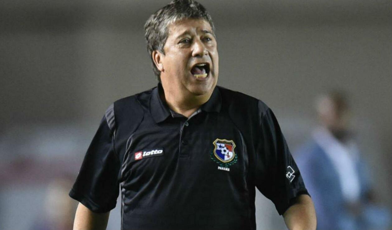 Hernán Darío el 'Bolillo' Gómez dirigiendo a la Selección de Panamá