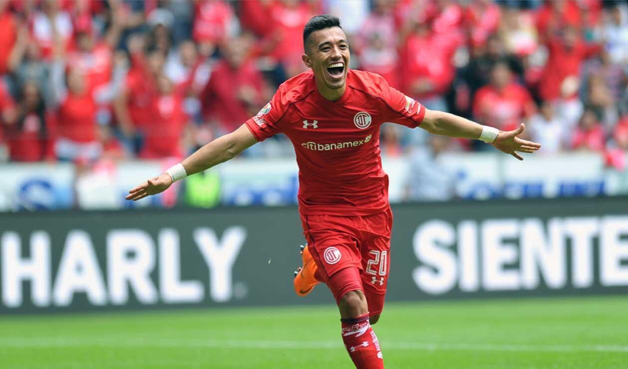 Fernando Uribe, jugador colombiano que milita en el Toluca de México