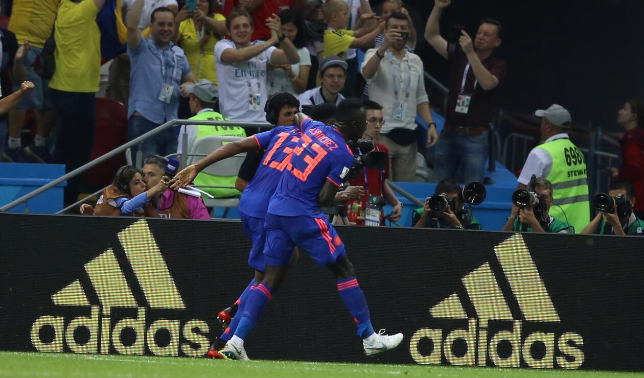 Mina celebra su gol
