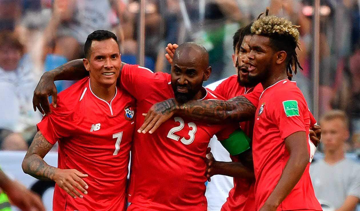 Felipe Baloy celebrando el primer gol de Panamá en la historia de los mundiales