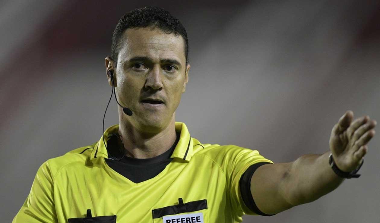 Wílmar Roldán, árbitro colombiano que dirigirá su primer partido en el Mundial de Rusia 2018