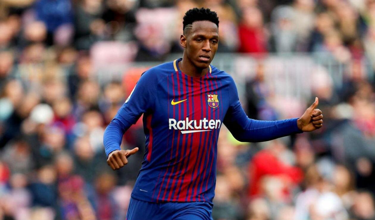 Yerry Mina jugando con el Barcelona