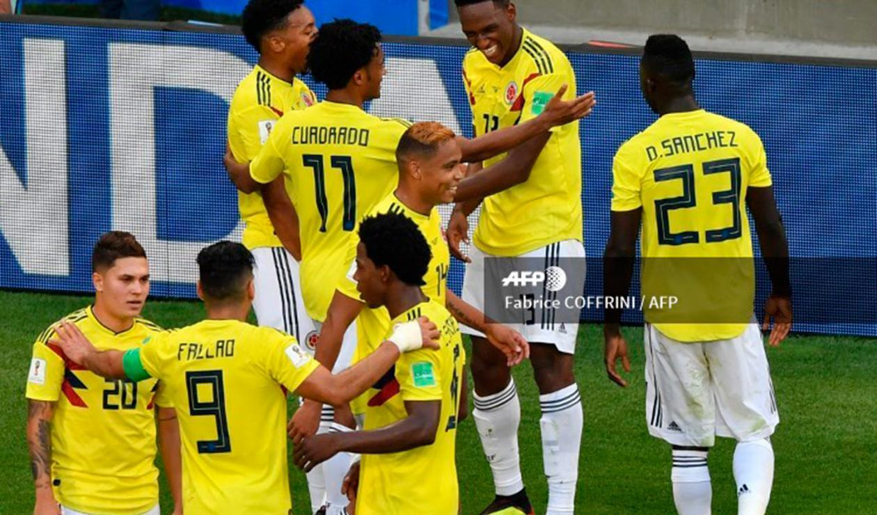 Yerry Mina celebrando el gol ante Senegal con demás compañeros de la Selección Colombia