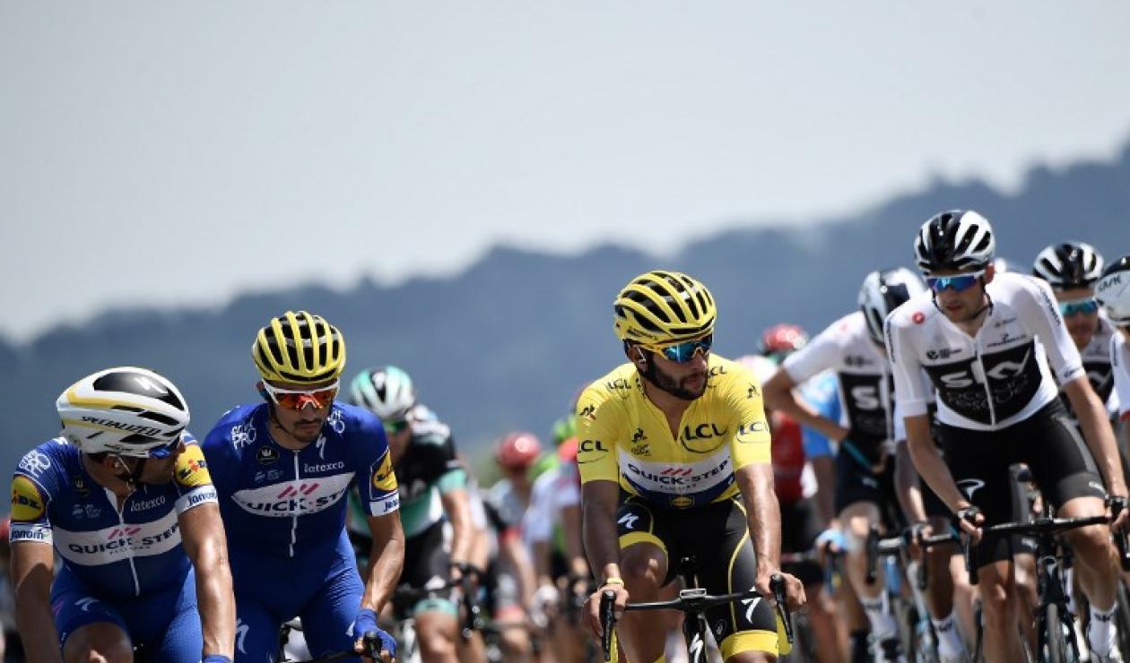 Fernando Gaviria conquistó la primera etapa del Tour de Francia