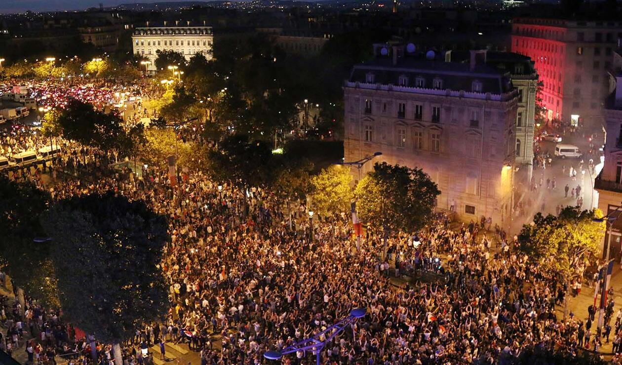 Paris festeja el paso de Francia a la final del mundial de Rusia