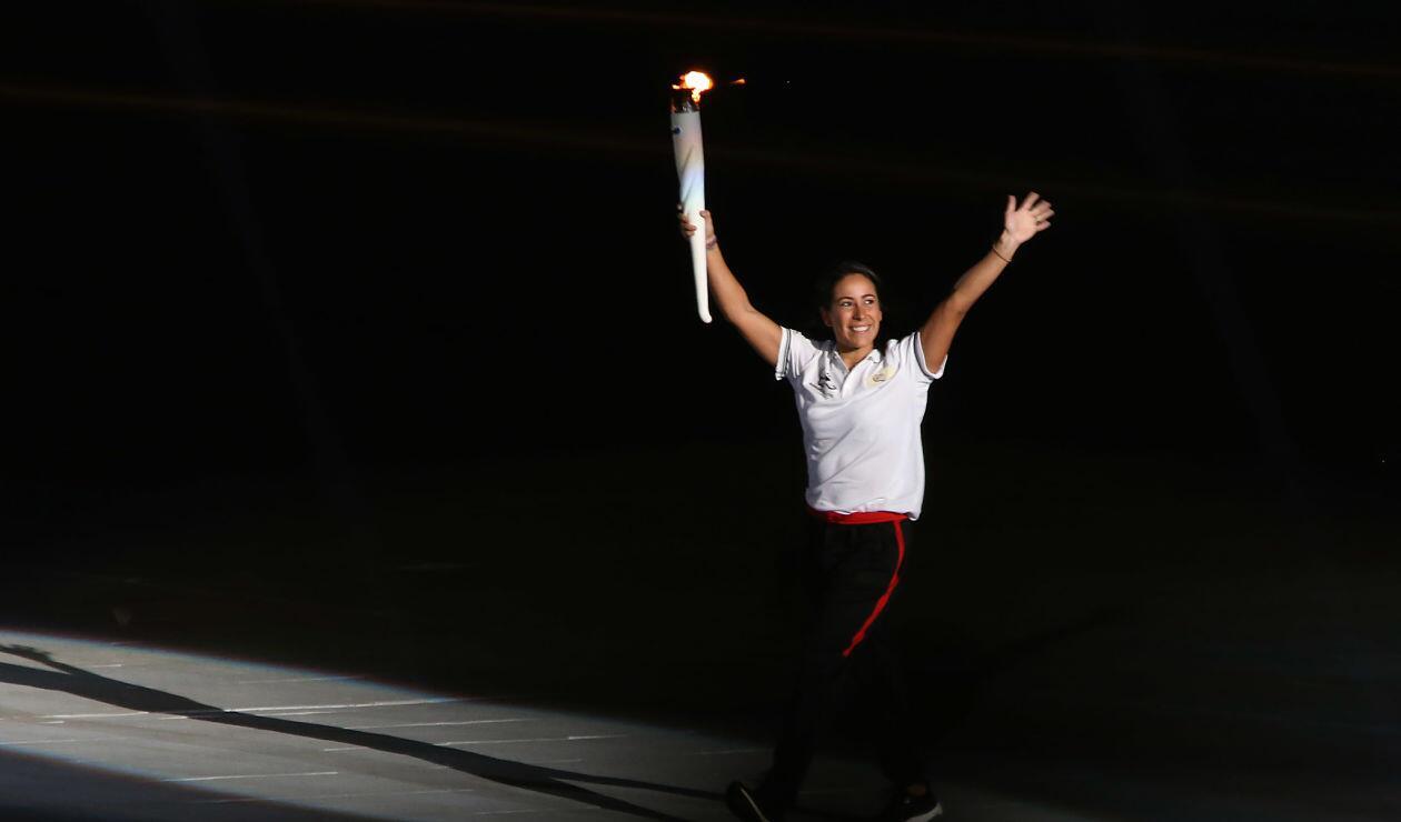 Mariana Pajón portando la llama olímpica de los Juegos Centroamericanos y del Caribe Barranquilla 2018