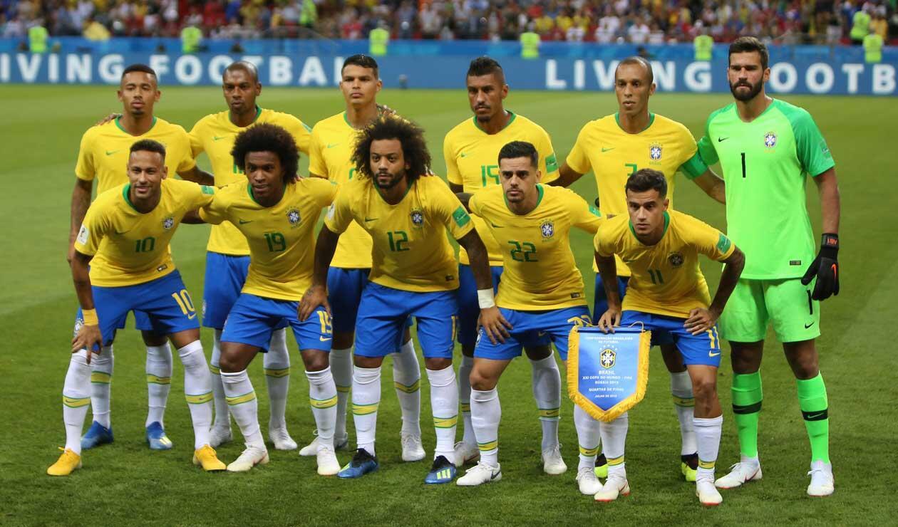 La selección de Brasil formada antes del partido frente a Bélgica