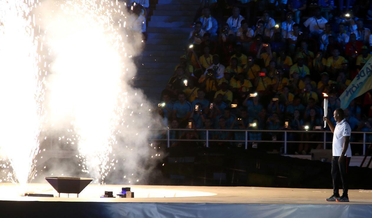 Édgar Rentería enciende la llama de los Juegos Centroamericanos y del Caribe Barranquilla 2018