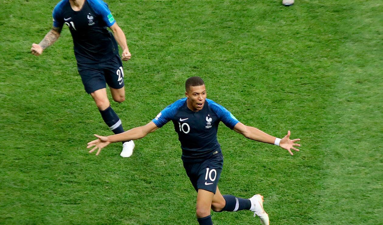Kyllian M'bappe celebra el cuarto gol de Francia en la final del Mundial Rusia 2018
