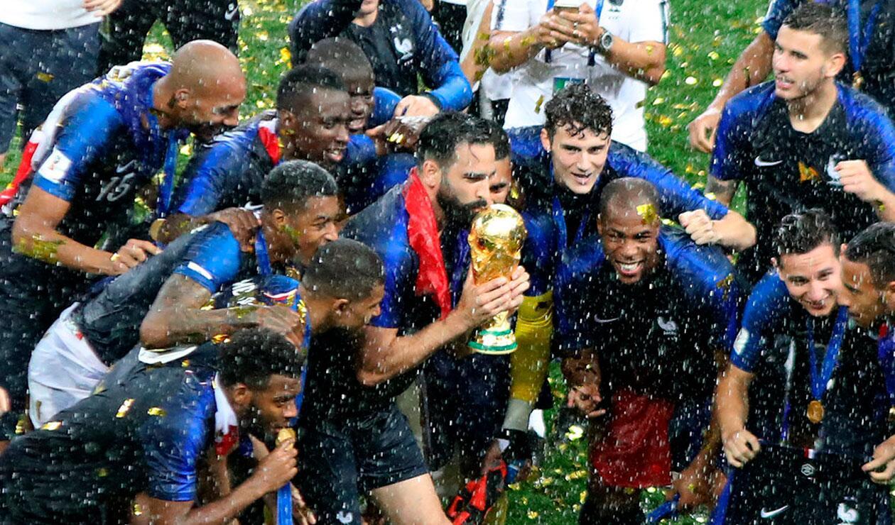 Los jugadores de Francia celebran ganar su segundo mundial