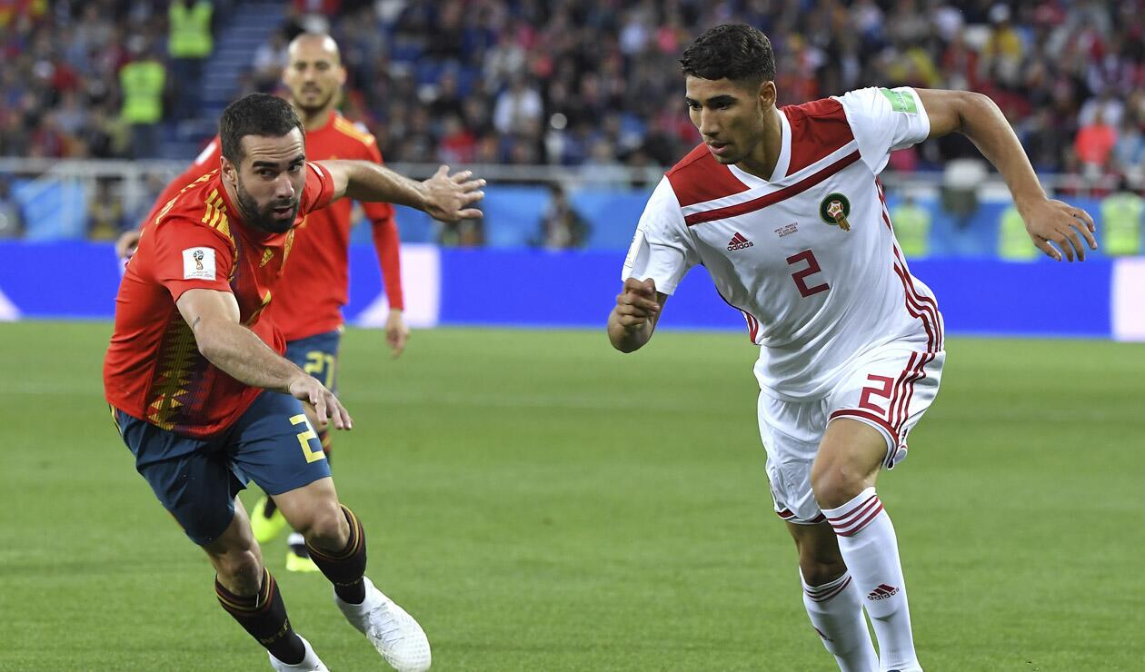 Dani Carvajal y Achraf Hakimi en el juego entre España y Marruecos en Rusia 2018
