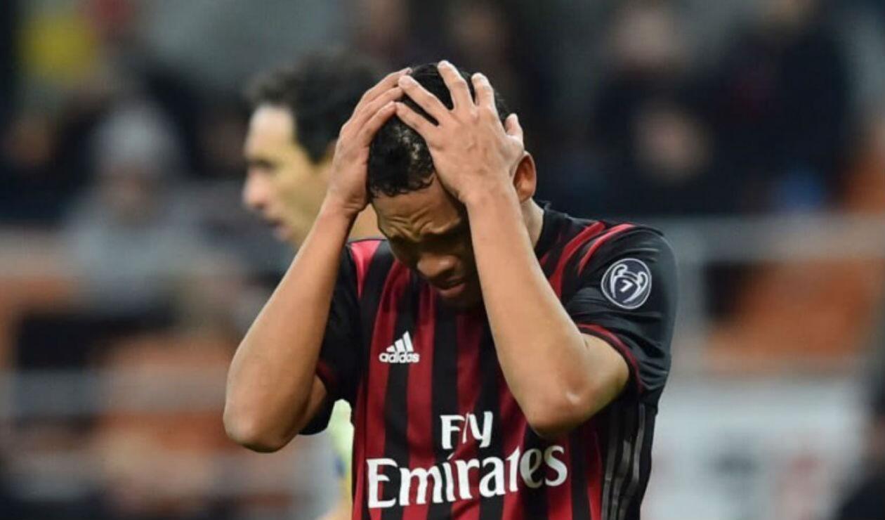Carlos Bacca aún es propiedad del AC Milan y tendrá que presentarse a la pretemporada