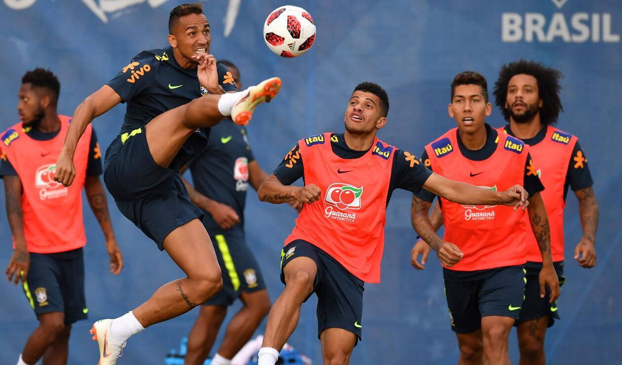 Brasil recuperó a tres jugadores para los cuartos de final ante Bélgica