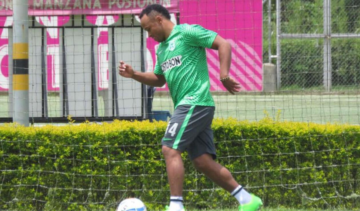 Camilo Zúñiga entrenando con Atlético Nacional