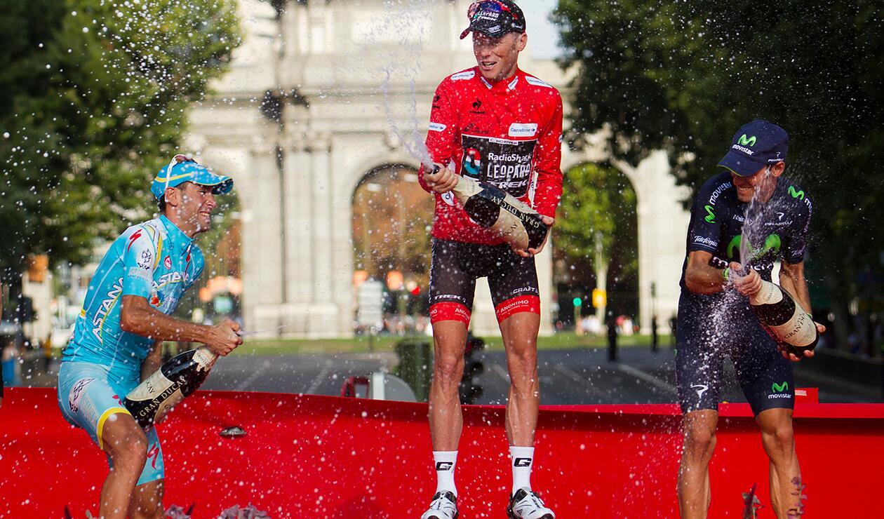 Vincenzo Nibali, Chris Horner y Alejandro Valverde, el 15 de septiembre de 2013 en Madrid, al término de la Vuelta a España
