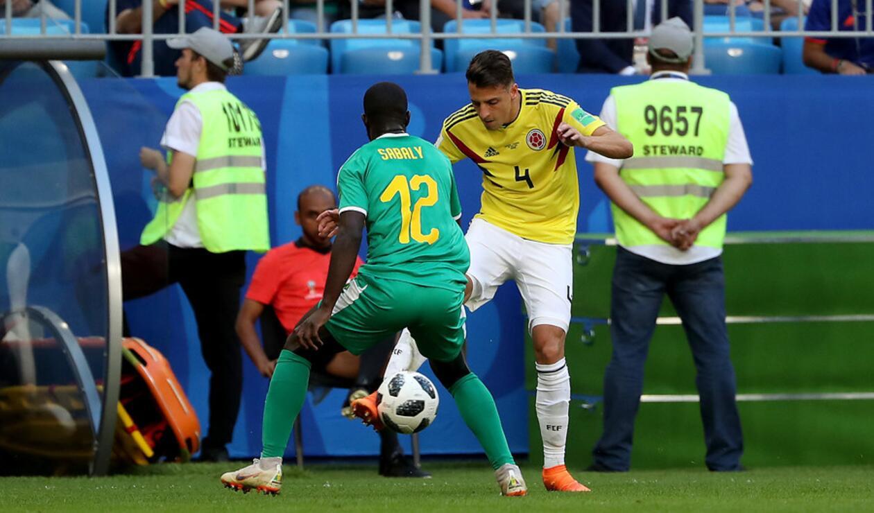 Santiago Arias con la Selección Colombia enfrentando a Senegal en Rusia 2018