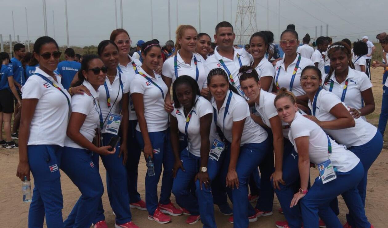 Delegación de Cuba en la presentación
