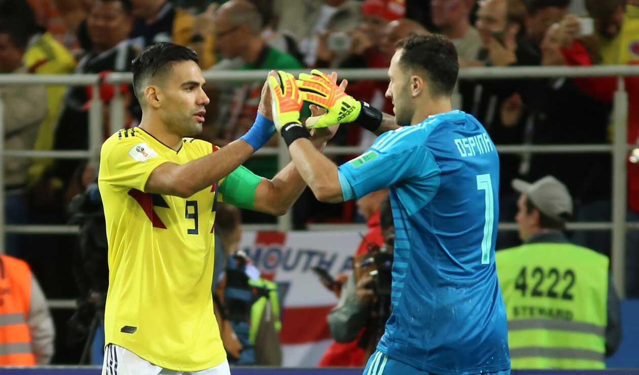 David Ospina felicita a Falcao por su penal ante Inglaterra