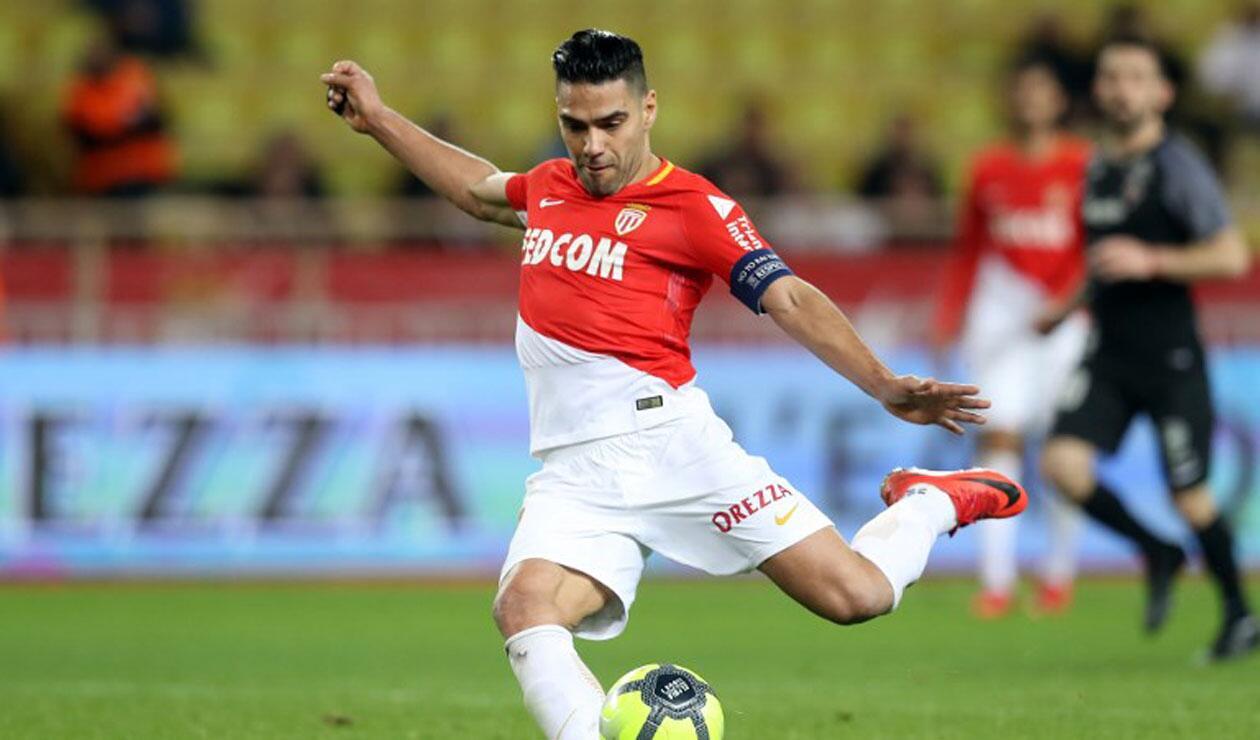 Falcao viajará con el Mónaco a China pero no jugará ante el PSG