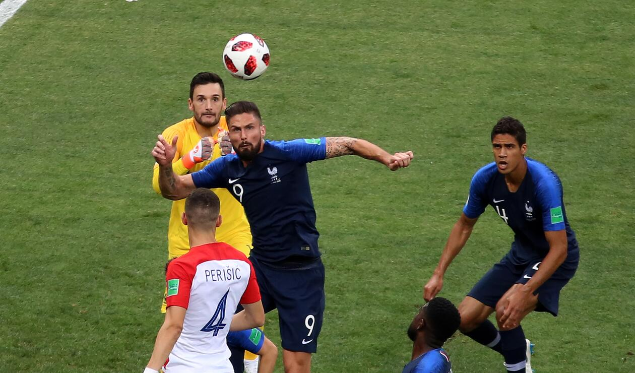 Olivier Giroud tuvo una labor más defensiva que ofensiva