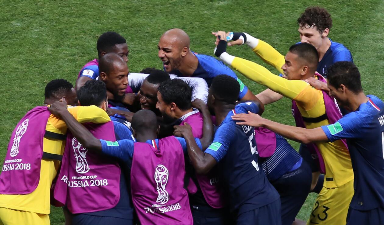 Francia celebrando el cuarto gol de la final