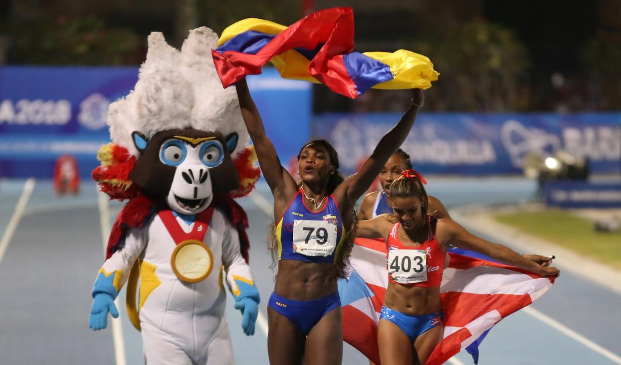 Caterine Ibargüen celebrando su victoria