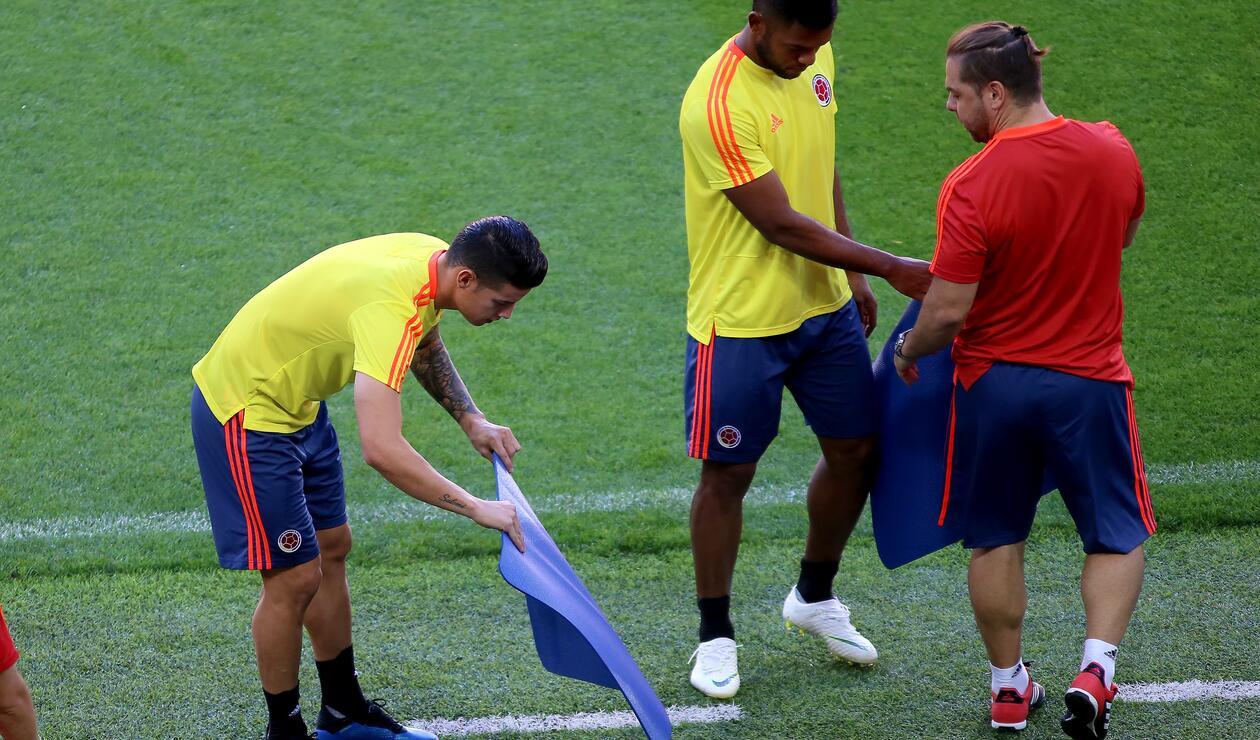 James Rodríguez haciendo trabajos de recuperación
